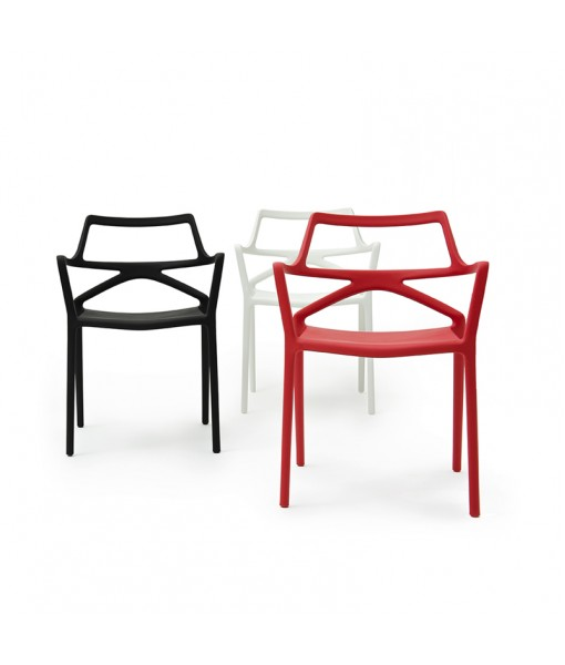 DELTA CHAIR with armrests