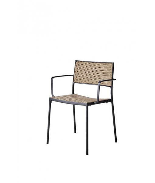 Less armchair, stackable