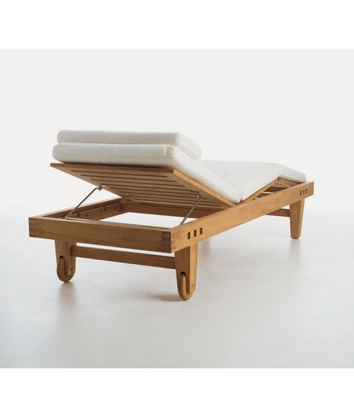 SUMMIT CLASSICS Adjustable Chaise With Cushion